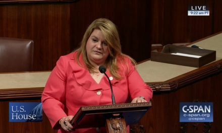 Jenniffer González-Colón demands Corps of Engineers extend mission until everyone has electricity in Puerto Rico